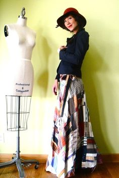 Brown-vintage-skirt-red-vintage-hat-blue-vintage-blazer_400