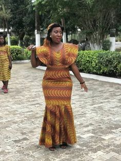 Try out this amazing beautiful Ankara long gown styles we have for you ,This specially Ankara dress we selected for you will make you look African Fashion Ankara, African Inspired Fashion, Latest African Fashion Dresses, African Dresses For Women, African Print Fashion, African Attire, African Wear, Ankara Long Gown Styles, Ankara Styles