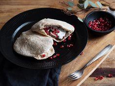 Lamb and pomegranate sandwich - Recipes - Kitchen Stories