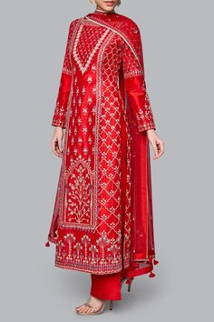 Designer Suits - Buy Geshana Suit for Women Online - - Anita Dongre Pakistani Dresses Casual, Pakistani Dress Design, Dress Indian Style, Indian Dresses, Western Dresses, Western Outfits, Embroidery Suits Design, Embroidery Suits Punjabi, Indian Designer Suits