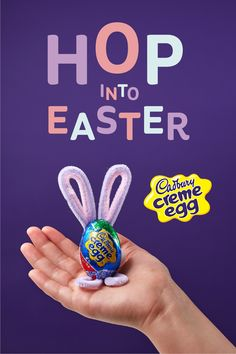 It's true – chicks dig chocolate. Especially when it comes in the form of Cadbury Cream Eggs. Add some to your basket and enjoy Easter the right way! Easter Snacks, Easter Party, Easter Treats, Easter Gift, Easter Recipes, Easter Dyi, Easter Food, Easter Decor, Hoppy Easter