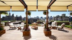 An inspired Art Deco design and a heavenly rooftop garden make the Surrey one of the swankiest hotels you can check yourself into this side of Manhattan. Diy Pergola, Pergola With Roof, Patio Roof, Cheap Pergola, Pergola Kits, Rooftop Lounge, Rooftop Bar, Outdoor Spaces, Outdoor Decor