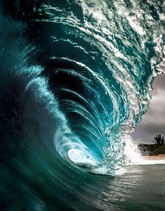 Wave off the Hawaiian coast