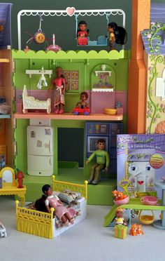 Caring Corners - Mrs. Goodbee Interactive Dollhouse 14 Dolls & Tons of Extras! #CaringCorners