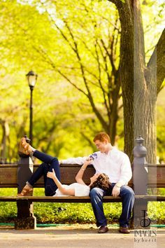 Engagement Photos | New York City | Central Park | The Boathouse, NYC | Photography: Images by Berit