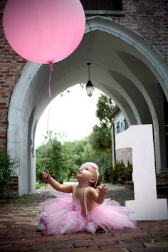 Abbi's 1st birthday pic idea