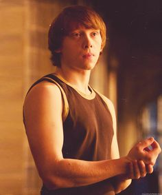 Ronald Weasley (Rupert Grint) ~ Harry Potter and the Half Blood Prince Harry Potter Ron Weasley, Mundo Harry Potter, Harry Potter Pictures, Harry Potter Love, Harry Potter Characters, Harry Potter World, Ron And Harry, Hogwarts, Must Be A Weasley