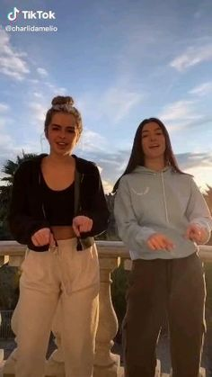 tik tok imagenes tok humor music tock videos dances tok videos funny you so obsessed with me tik tok Dance Choreography Videos, Dance Music Videos, Charlie Video, Mode Chanel, Cool Dance, Funny Short Videos, Tic Tok, Famous Girls, Dance Moves