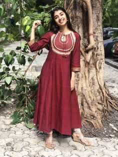 Simple Kurta Designs, Kurti Neck Designs, Kurta Designs Women, Dress Neck Designs, Kurti Designs Party Wear, Designs For Dresses, Blouse Designs, Pakistani Fashion Casual, Indian Fashion Dresses