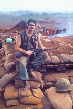 A U.S. Marine pictured at the Khe Sanh Combat Base in South Vietnam 1968. [518 x 768]