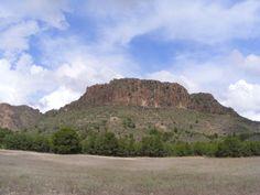 Volcán de Cancarix, Monumento Natural.  es el ejemplo más representativo de  chimenea volcánica de la península ibérica