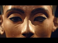 ▶ A Convicted Forger Calls Nefertiti's Bust a Fake - YouTube