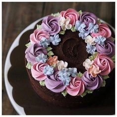 ― ivenoven 사랑으로 베이킹さん( 「When my customers said it was their best buttercream cake ever, i will be like 💃💃」 Pretty Cakes, Cute Cakes, Beautiful Cakes, Amazing Cakes, Cake Decorating Tips, Cookie Decorating, Super Torte, Best Buttercream, Buttercream Flowers