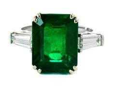 6.48 ct Zambian emerald and diamond ring