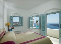 Aigialos Hotel Santorini Luxury Traditional Settlement, an awarded historic luxurious boutique hotel overlooking the Santorini volcano. Hotels In Santorini Greece, Fira Santorini, Unique Hotels, Mansions Homes, Hotels And Resorts, Luxury Hotels, Stunning View, Traditional House, Places