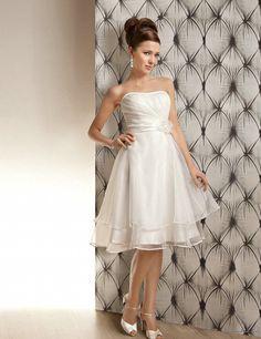 Augie Short menyasszonyi ruha
