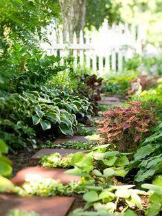 nos propositions en vidos pour faire une alle de jardin gardens - Faire Une Allee De Jardin Pas Cher