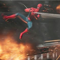 """(@spidey.marvel) på Instagram: """"Targeting all the strong points of the boat. - - - - [ #spiderman #marvel #spidermanhomecoming ]"""""""