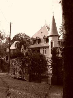 "House in Sintra used in Roman Polanski´s ""The Ninth Gate"" starring Johnny Depp"