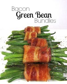 Bacon Green Bean Bundles on Princess Pinky Girl by Spend with Pennies Best Thanksgiving Side Dishes, Thanksgiving Recipes, Thanksgiving Green Beans, Thanksgiving Turkey, Vegetable Side Dishes, Vegetable Recipes, Cake Feta, Green Bean Bundles, Bacon Wrapped Green Beans