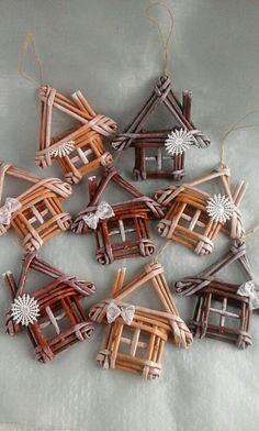 Arts And Crafts Ideas Christmas Crafts, Christmas Decorations, Xmas, Christmas Ornaments, Tree Decorations, Christmas Wreaths, Willow Weaving, Basket Weaving, Diy And Crafts