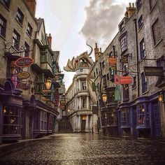 The Wizarding World Of Harry Potter - Diagon Alley in Orlando, FL #mustvisit