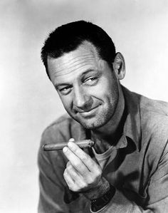 1953 Publicity portrait for Stalag 17 starring William Holden Hollywood Men, Hooray For Hollywood, Golden Age Of Hollywood, Classic Hollywood, Hollywood Glamour, O Fallon Illinois, Neville Brand, The Golden Boy, Star Wars