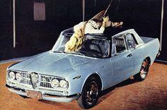 Primeiro protótipo do GT Onça, na Feira Brasileira do Atlântico; na capota do carro, a Garota de Ipanema do ano (fonte: O Globo). Carros Alfa Romeo, Alfa Romeo Cars, Top Cars, Car Pictures, Big Boys, Concept Cars, Race Cars, Dream Cars, Rare Breeds