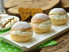 With exquisite cream and mushy dough: serve German cake - Food House Pastry Recipes, Bread Recipes, Cookie Recipes, German Cakes Recipes, Love Eat, Dessert Bread, Turkish Recipes, Food To Make, Food And Drink