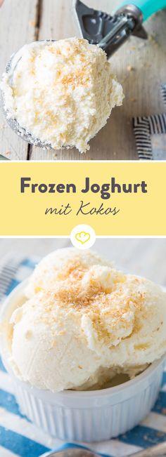 Gefrorener Joghurt und geröstete Kokosraspeln: Im cremigen Kokos Frozen Joghurt kommt alles zusammen, was an einem heißen Sommertag glücklich macht.