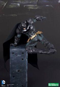 ARTFX+ 《蝙蝠俠:阿卡漢騎士》蝙蝠俠踢擊破窗登場!