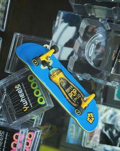 Yellowood fingerboard Finger Skateboard, Skateboard Design, Ktm Dirt Bikes, Tech Deck, Skate Art, Pop, Skateboarding, Decks, Skyline