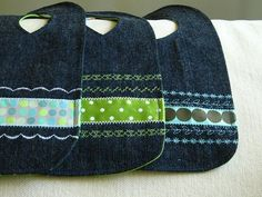 these blue jean bibs are sturdy, washable, and recycle old jeans.some of Charles' old jeans may be disappearing for Timothy's bibs. Sewing For Kids, Baby Sewing, Free Sewing, Couture Bb, Bib Tutorial, Denim Ideas, Denim Crafts, Jean Crafts, Recycled Denim