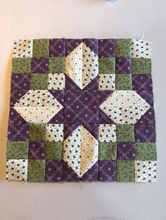 Quilt Square Patterns, Barn Quilt Patterns, Beginner Quilt Patterns, Star Quilt Blocks, Star Quilts, Mini Quilts, Quilting Projects, Quilting Designs, Painted Barn Quilts