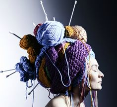 Rozmowa z Prullą (Click through to read more. I had a few problems with the translation.) Suffice it to say the question of where to store you yarn seems to have been solved. Thanks to @Diane Asselin! #knitting #streetart #headpiece