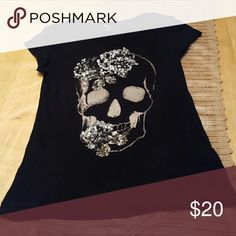 Express Sexy Skull Black Small tee Express small skull tee Excellent condition Tops Tees - Short Sleeve