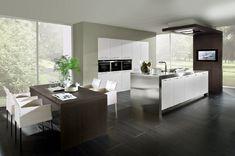 Stijlvolle luxe designkeuken met RVS aanrechtblad