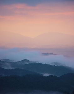 ✿ ❤ Japan, sunset...吉野山 雲海 夕焼け : 魅せられて大和路 (Yoshinoyama sea of clouds sunset: Caught Yamatoji - google translate)
