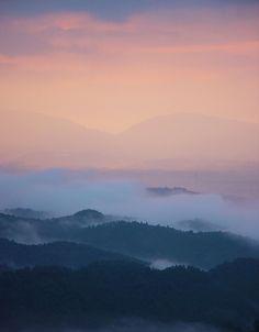 ✿ ❤ Japan, sunset...吉野山 雲海 夕焼け : 魅せられて大和路 (Yoshinoyama sea of clouds sunset: Caught Yamatoji - google translate)