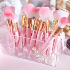 HFUN Professional Makeup Brushes Set 8 Pcs Foundation Blush Brushes Tool Powder Bronzer Brushes Highlight Eyeliner Eyebrow Brush with Brush Cleaner + Case(Black) - Cute Makeup Guide Makeup Beauty Box, Pink Makeup, Cute Makeup, Gorgeous Makeup, Gold Makeup, Mac Makeup, Drugstore Makeup, Colorful Makeup, Makeup Eyeshadow