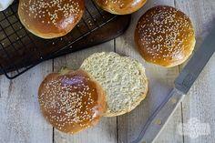 Ev Yapımı Hamburger Ekmeği Tarifi (15 dakikada hazır)