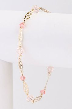 So lovely and lightweight! | Delicate Link Bracelet in Living Coral and Gold, Lightweight blush and coral Swarovski crystal bracelet from the New Bloom Collection by J'Adorn Designs #handcraftedbracelet #livingcoralfashion #jadornyourlove Classic Wedding Inspiration, Bohemian Wedding Inspiration, Hippie Bride, Nature Inspired Wedding, Coral And Gold, Wedding Jewelry, Luxe Wedding, Wedding Earrings, Bridal Accessories