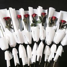 Bouquet Wrap, Hand Bouquet, Rose Bouquet, Boquet, Single Flower Bouquet, My Flower, Arte Floral, Dried Flowers, Paper Flowers