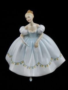 ROYAL DOULTON LADY FIGURINE 1976 FIRST DANCE HN 2803