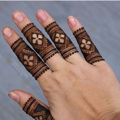 Mehndi design is one of the most authentic arts for girls. The ladies who want to decorate their hands with the best mehndi designs. Henna Hand Designs, Dulhan Mehndi Designs, Mehendi, Mehndi Designs Finger, Basic Mehndi Designs, Mehndi Designs For Beginners, Mehndi Designs For Girls, Mehndi Design Photos, Wedding Mehndi Designs