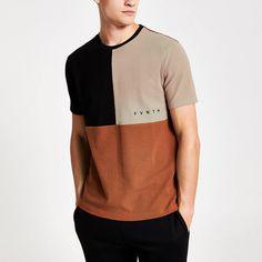 River Island Mens Brown Svnth colour block slim fit T-shirt (XXS) Boys T Shirts, Cool Shirts, Tee Shirts, T Shirts For Women, T Shirt Vest, Mens Clothing Styles, Shirt Designs, Menswear, Colour Block