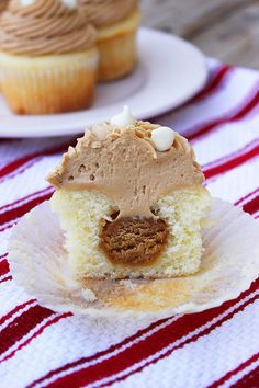 White Chocolate Cookie Butter Filled Cupcake
