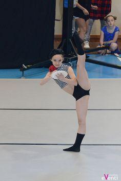 Il pittore di Montmartre - danzatrice Giulia L. 12 anni  Prima classificata a CaronnoDanza 2016 Seconda classificata a MarianoDanza 2016