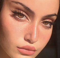 Find images and videos about girl, makeup and eyes on We Heart It - the app to get lost in what you love. Subtle Makeup, Pink Makeup, Natural Makeup Looks, Glam Makeup, Pretty Makeup, Makeup Inspo, Makeup Art, Makeup Inspiration, Beauty Makeup
