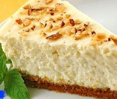 Cheesecake From Three Ingredients For 5 Minutes Recipe Desserts with eggs, cottage cheese, condensed milk Easy Cake Recipes, Baking Recipes, Cookie Recipes, Dessert Recipes, Sweets Recipe, Russian Desserts, Russian Recipes, Easy Sweets, Galette